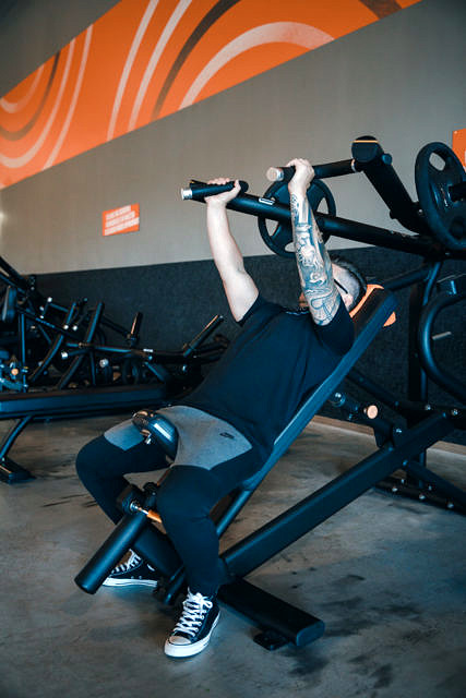 Plate loaded incline presss